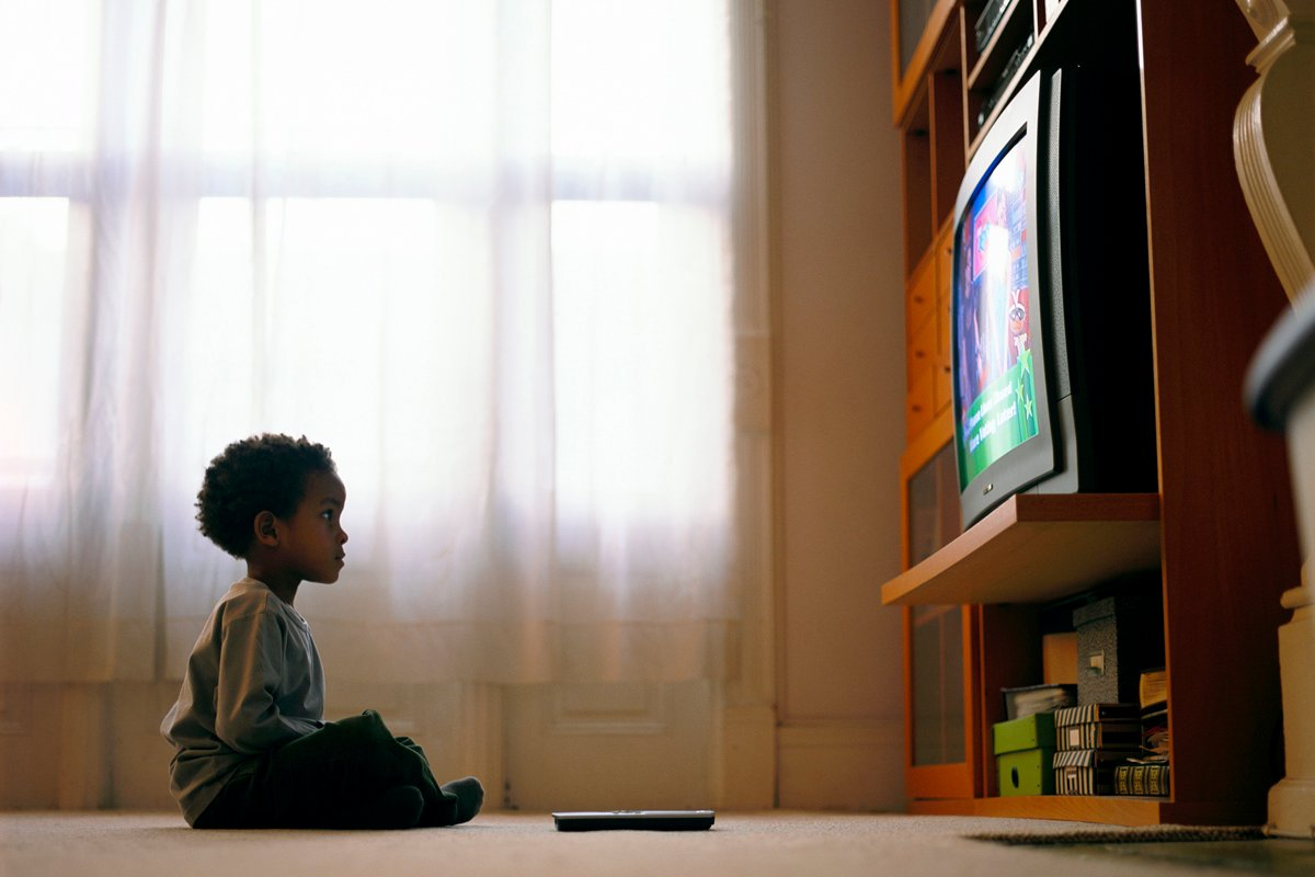 "watching tv makes you smarter essay ""they say i say and watching tv makes you smarter"" abstract television has a great impact on high school achievements in both the ways, positive and negative."