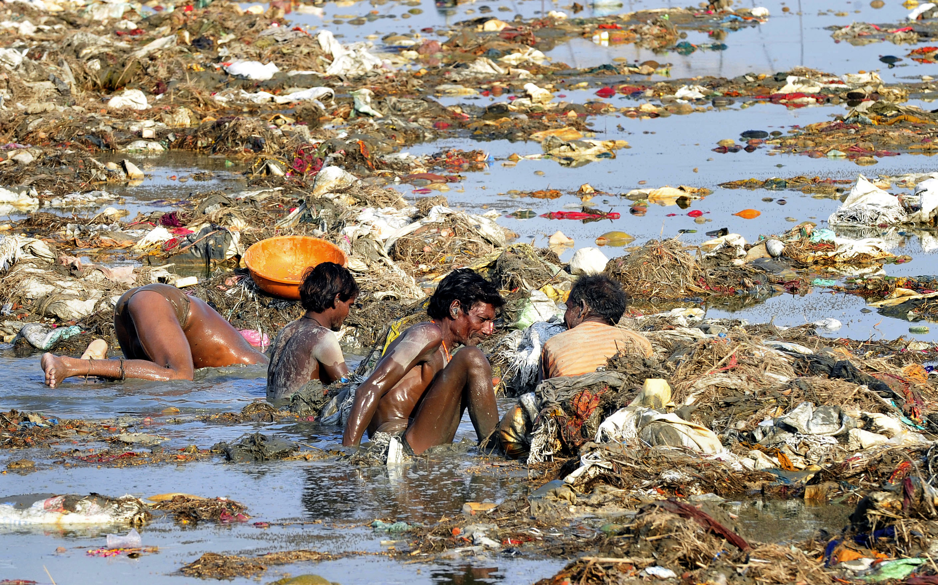 tapi river pollution The river yamuna is also connected to the religious beliefs surrounding krishna and various river of love in an age of pollution: the yamuna river of northern.