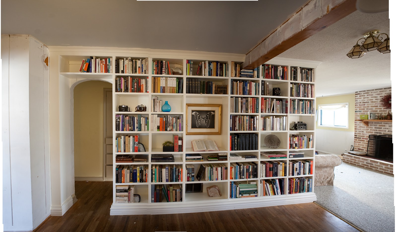 Встроенные книжные шкафы своими руками