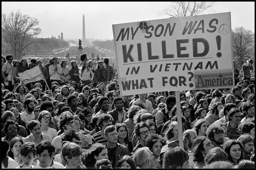 an introduction to des moines dislike towards american involvement in the vietnam war