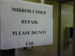 MIRROR UNDER 