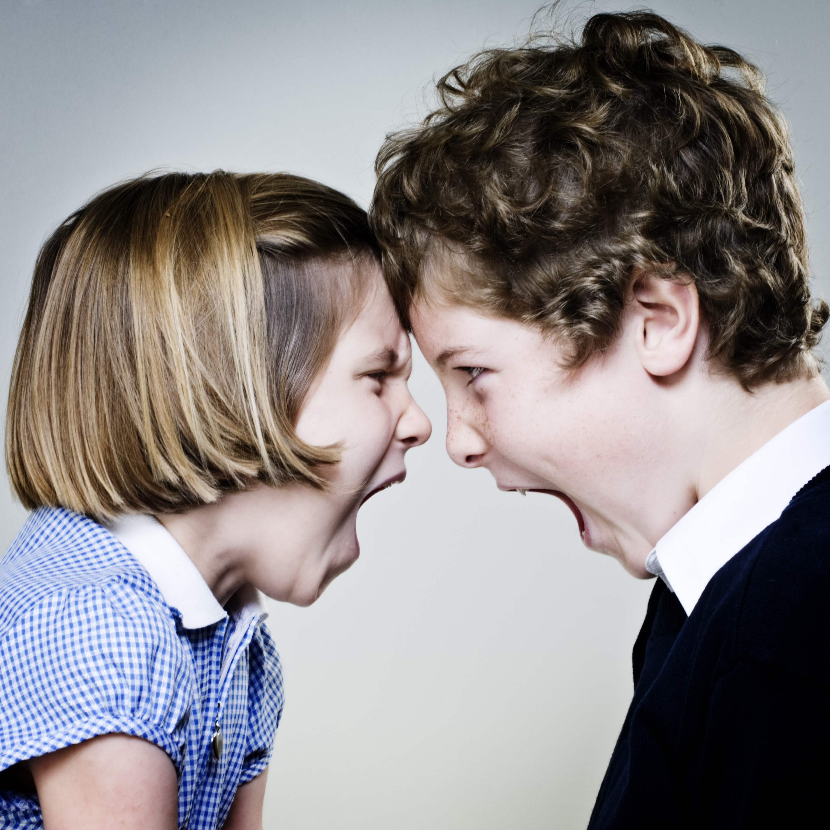 the arguments and fightings between siblings Fighting with brothers and sisters - for young people eat together, laugh together and fight many things lead to arguments and fights between siblings.