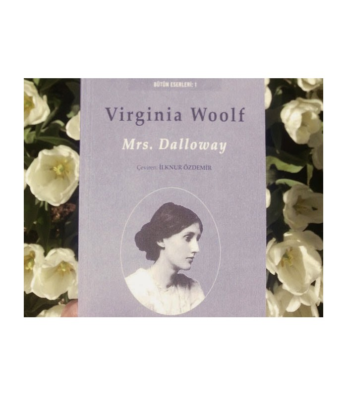 an analysis of mrs dalloway by virginia woolf In jacob's room, the novel preceding mrs dalloway, virginia woolf works with many of the same themes she later expands upon in mrs dalloway to mrs dalloway, she added the theme of insanity as woolf stated, i adumbrate here a study of insanity and suicide the world seen by the sane and the.