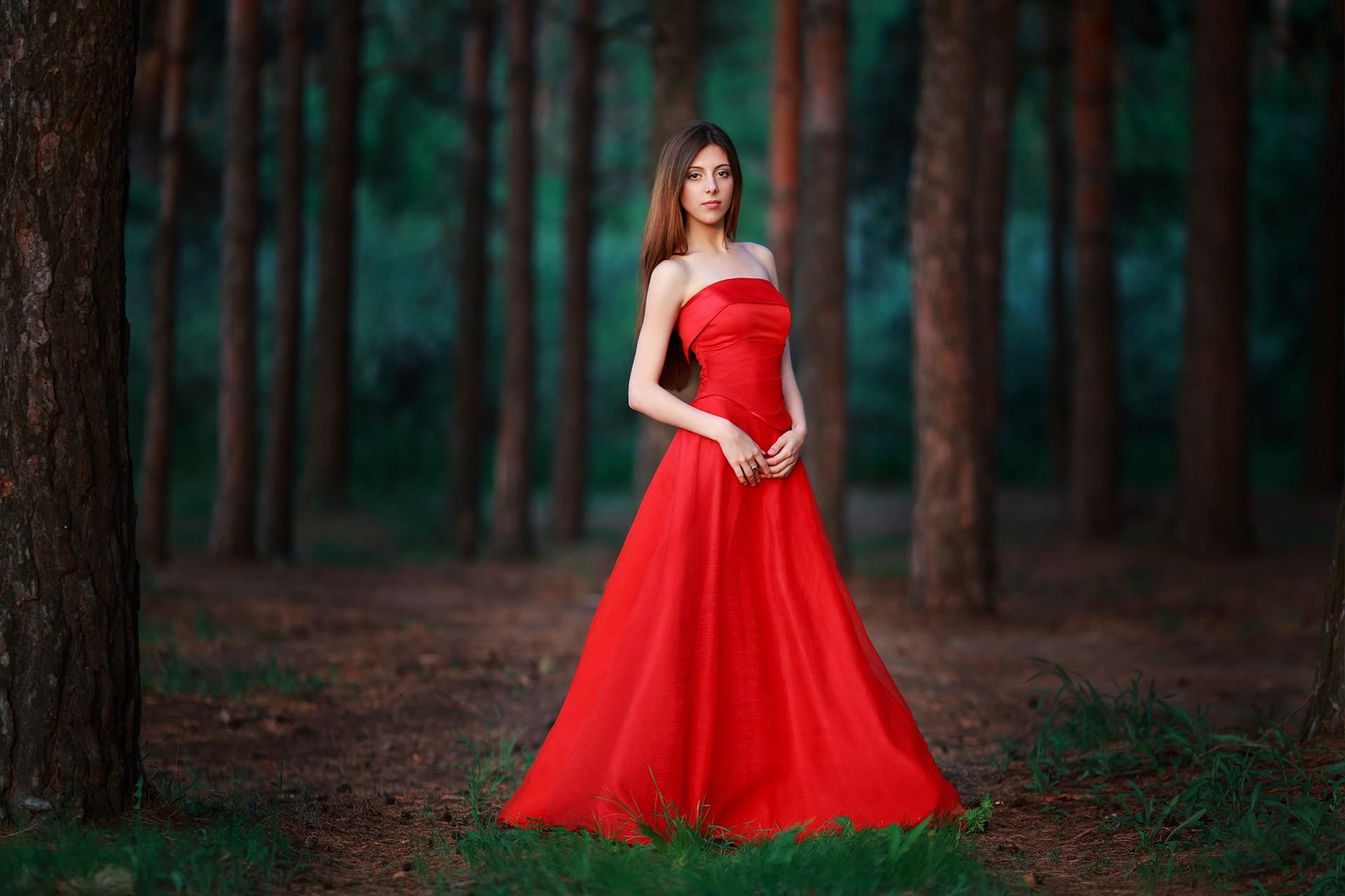 Фотки женщины в длинных платьях — 2
