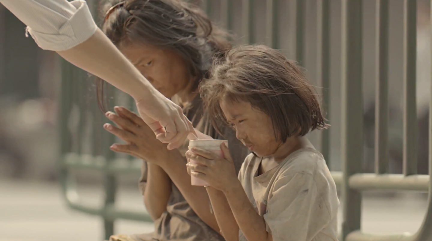 an analysis of the effectiveness of the new thai life advertisement unsung hero