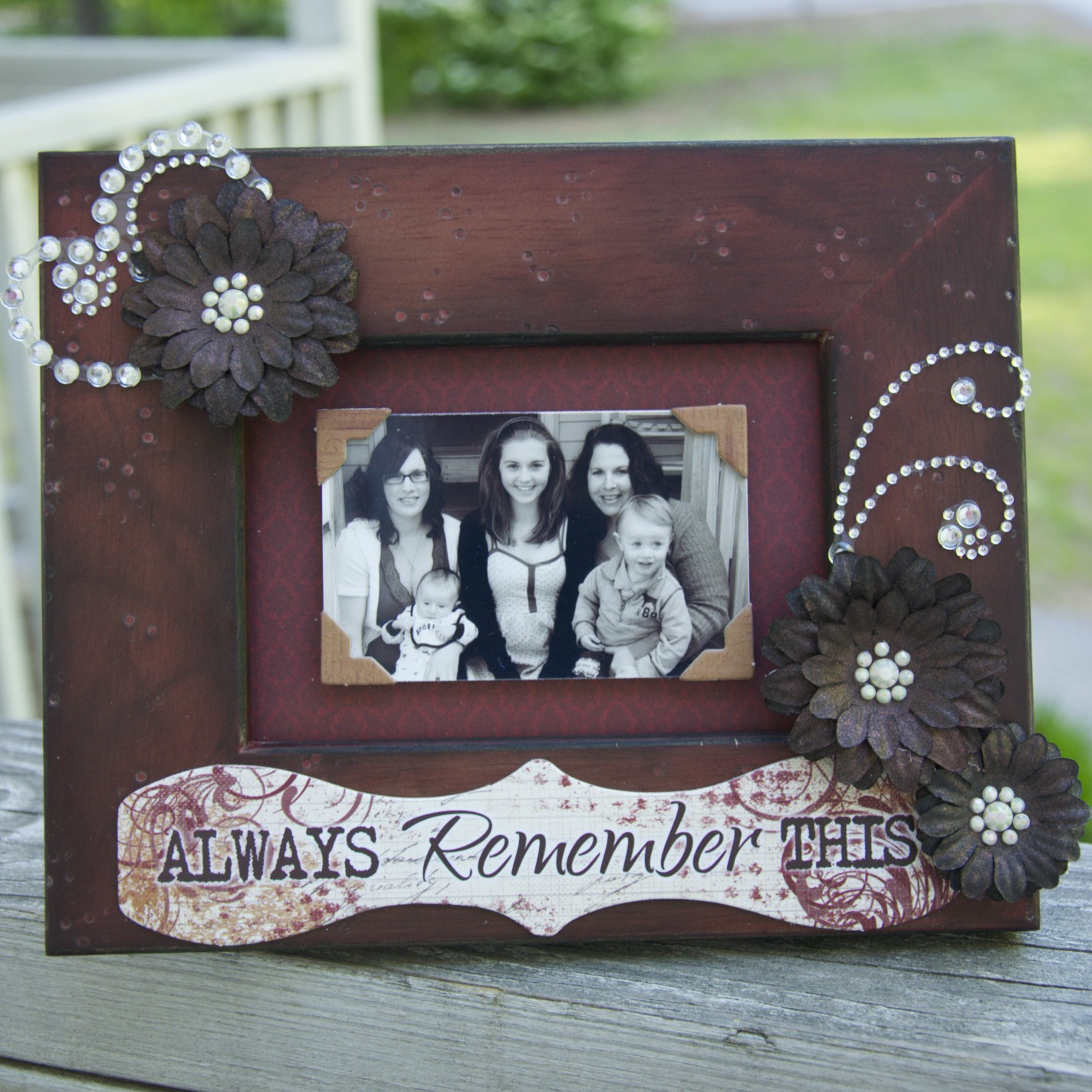 Quotes about picture frames 28 quotes jeuxipadfo Gallery